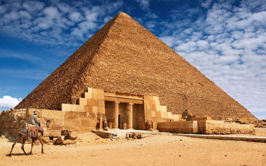 Территория Великих Пирамид в Гизе будет свободна от сувениров и верблюдов