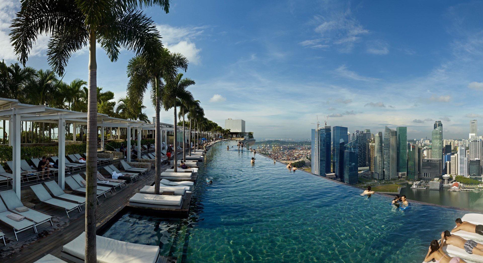 Самые красивые бассейны в отелях мира