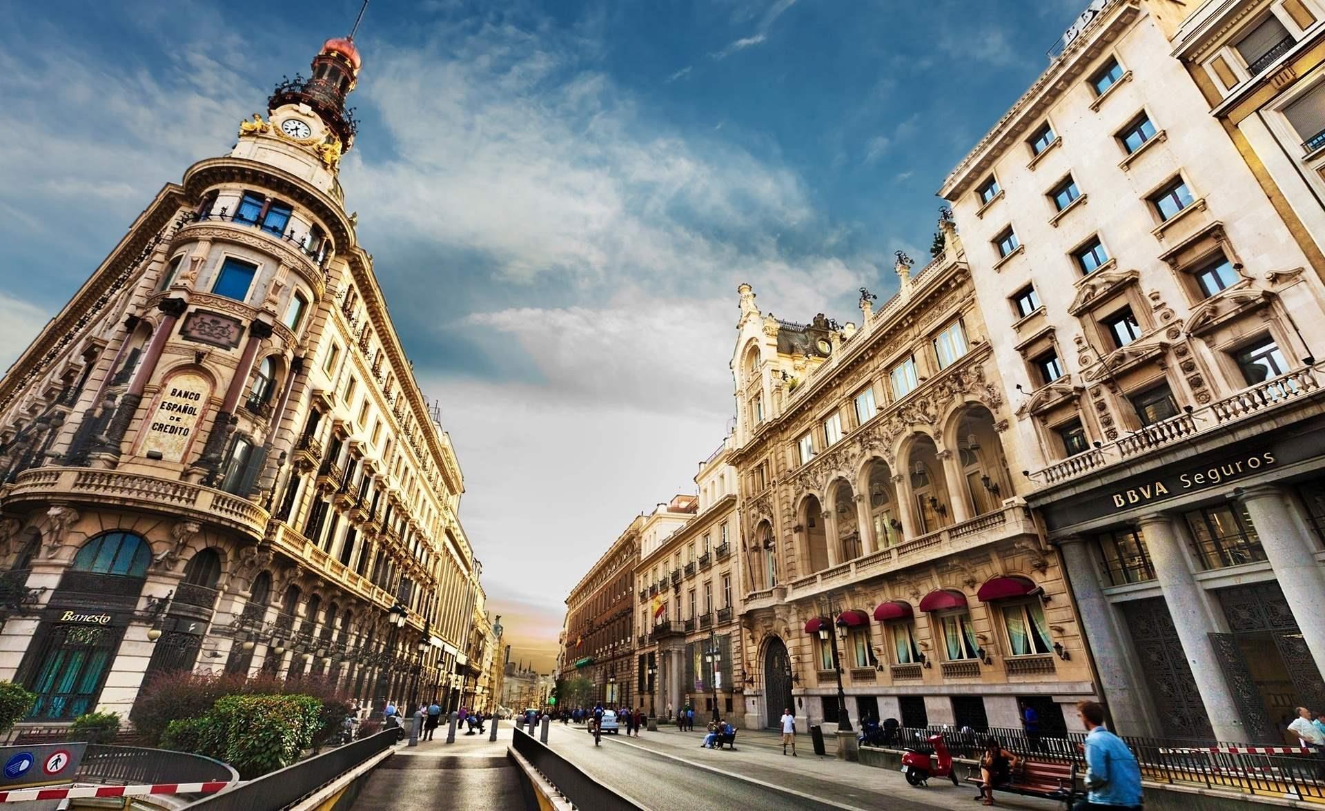 Туристам на заметку: штрафы в Испании за нарушение ПДД