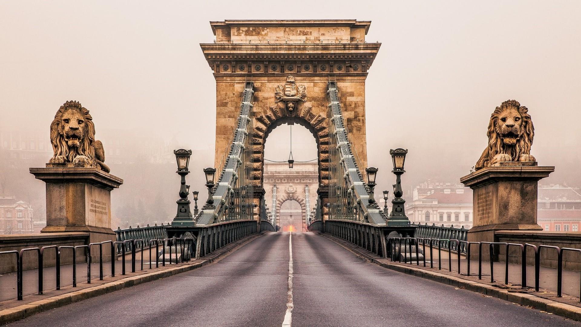 10 самых романтичных мостов в Европе